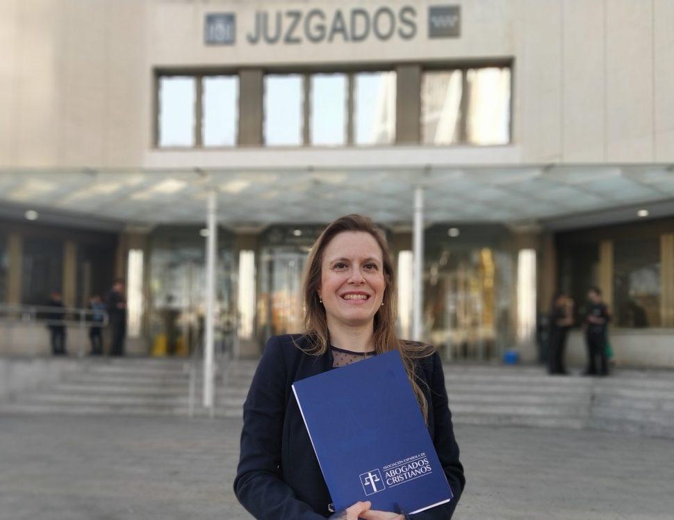 Polonia Castellanos, en la puerta de los juzgados de Plaza Castilla